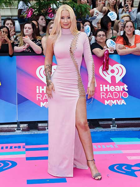 「2017 iHeartRadio MuchMusic Video Awards」に出席したイギー・アゼリア (c)Imagecollect.